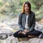 girl-meditating-e1548091798509